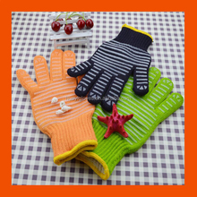 Kitchen Cooking Use Heat Resistant Gloves