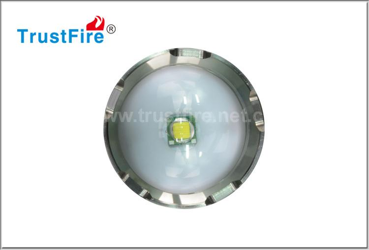 TrustFire led cree light Z7 zoom led flashlight 3.7v 550 lumens led flashlight rechargeable led torch