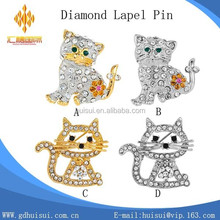 Custom design high quality cat lapel pin /fancy metal diamond crystal badge