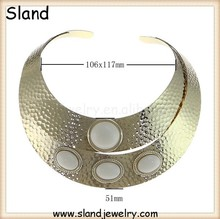 Easy to adjust the length gold plated hammered collar necklace with 4 white beads, big metal necklace at good price