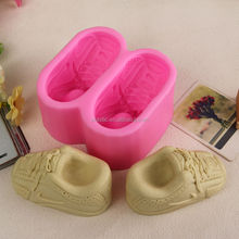 The shoes shaped Eco-friendly material platinum silicone cake mold baking and pastry tool