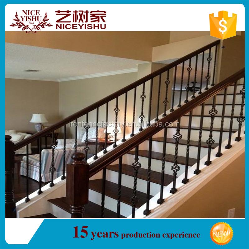 Barandas de hierro forjado para escaleras wrought iron for Escalera plegable aluminio sodimac