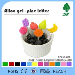 FDA and LFGB Approved Silicone Fork for cake/fruit/dessert Newest and Cute Cartoon Design Fruit Fork