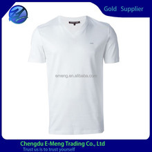Tailor made mens plain white v-neck t shirts with logo silk printing