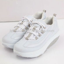 Natural reflections latest shoes in market with shoelaces upper material PU+Mesh made in China
