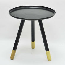 antiguos de madera pequeña mesa redonda