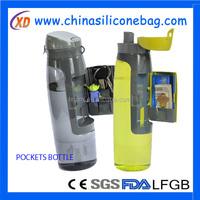 botella de agua con compartimiento de almacenamiento