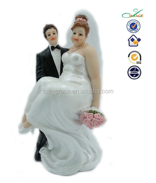 Little People Bride And Groom And Wedding Cake