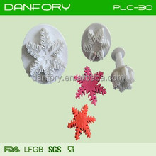 Sugarcraft plastic snowflake cookie cutter for christmas decoration