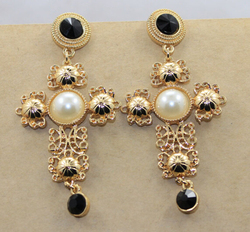 Wholesale baroque palace retro hollow pearl earrings big cross exaggerated woman luxury gem stone gold drop earrings