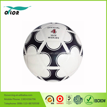 Wholesale high quality official size and weight black and white machine stitched street soccer ball