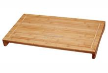 Bambú grande durante el fregadero de la estufa tabla de cortar