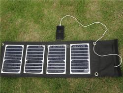 18V 18W Foldable Sunpower Solar Charger for Charging