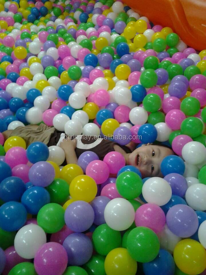 Hot vente pas cher enfants boule en plastique pour piscine for Boules pour piscine