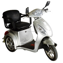 Easily operator handicapped three wheel scooter electric