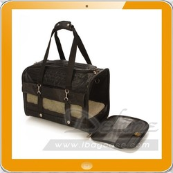 hot pet carrier with wheels