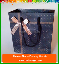 China Supplier Cute Various Sizes Wedding Gift Packing Dot Paper Bag with Bowknot Decoration
