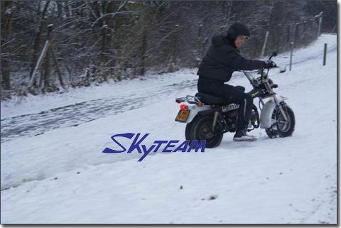 Skyteam 125CC 4 temps ST125-11 RV t - rex ( cee, Euroiii EURO 3 EPA approuvé )