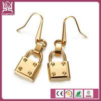 odd english lock earrings designs