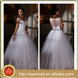 LBS-15 2016 Spring Style Button Back V Neck Formal Party Wedding Dresses Beaded Applique Luxury Dress Bridal Gown