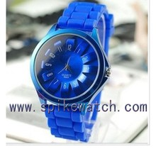 Blue color new design silicone wrist watch fashion dom watches