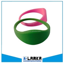 Waterproof silicone wristband RFID NFC smart bracelet