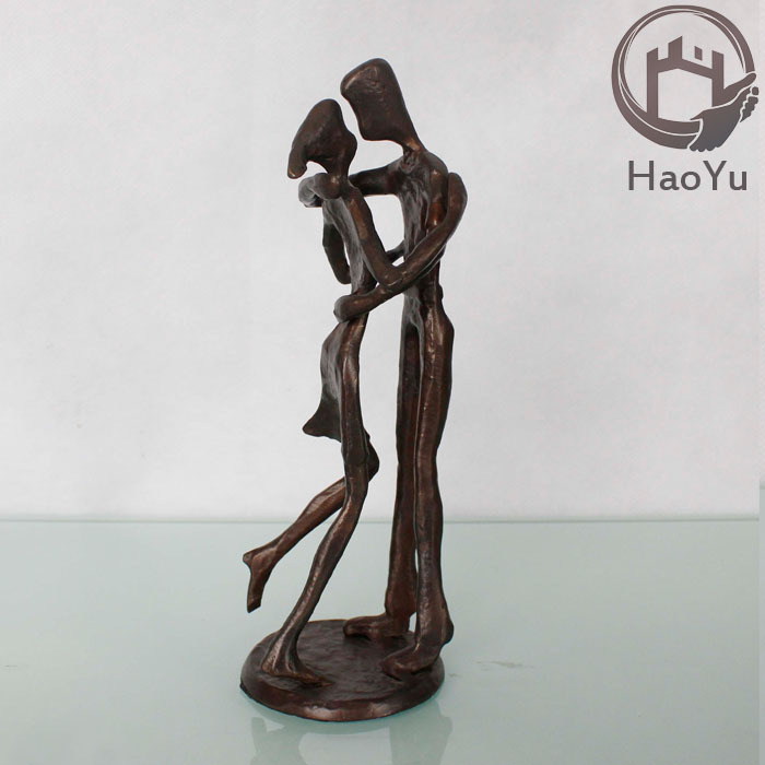 Cast iron love couple statue for home decoration buy love couple statue love wedding couple