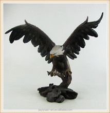 New Product Resin Crafts Large Eagle Sculptures/Eagle Statue for sale