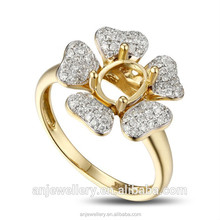 Girls fancy flower rings size 7 light yellow gold rings