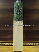 Mids Cricket Bat Model Zoom