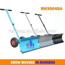 la nieve empujador de nieve y mover