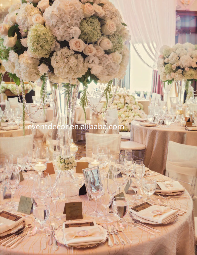 Clear glass vase foflower arrangements tall glass vase for Where can i find wedding decorations