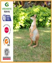 Cheap polyresin kangaroo baby carry 11.4in for garden ornament