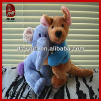 Soft toy Valentine's day gifts customed stuffed huging elephant and kangaroo wholesale plush huging elephant and kangaroo