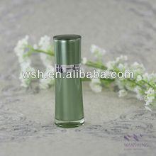 50 ml taille acrylique airless bouteille avec col en argent brillant