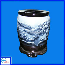 2015 best selling new design Chinese style pen holder with eagle relief