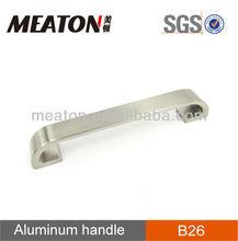 Case retractable handle