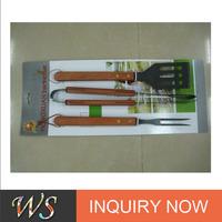 wooden handle hamburger tools