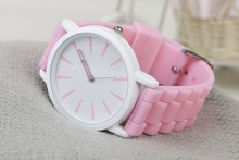 Hot selling simple silicon bracelet watch for girl