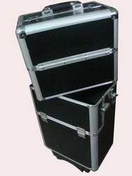 Professional Aluminum Cosmetic/makeup Trolley Case KL-H390