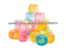 los cubos de hielo forma cuadrada para sus bebidas