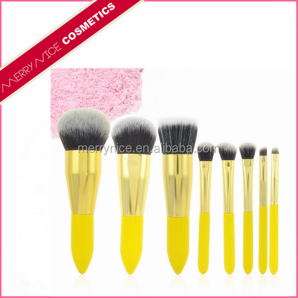 Short Handle Cosmetic Brushes
