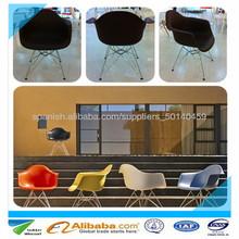 ofrecer silla de plástico con reposabrazos y la pierna de acero silla eames daw