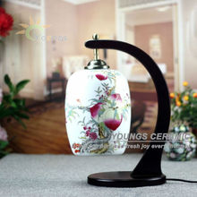 Classic peach pattern oriental ceramic base table lamp made in Jingdezhen