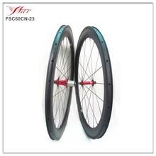 cheap carbon wheels 60mm x 23mm V shape carbon clincher bicycle wheels with Novatec hub Sapim cx-delta spokes
