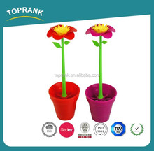 Flower shaped plastic toilet brush