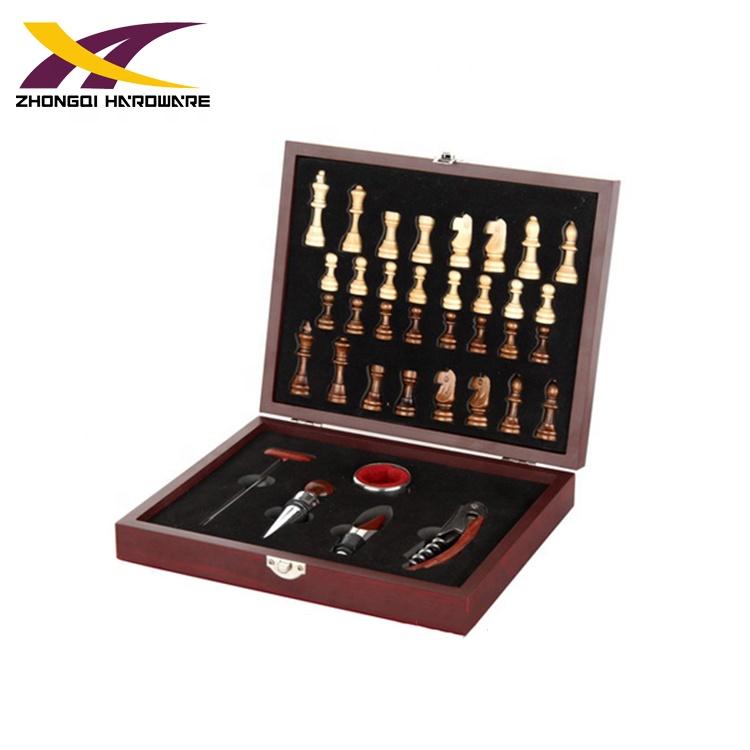 Sản xuất bán buôn cờ vua hộp hình phụ kiện rượu vang opener bộ quà tặng