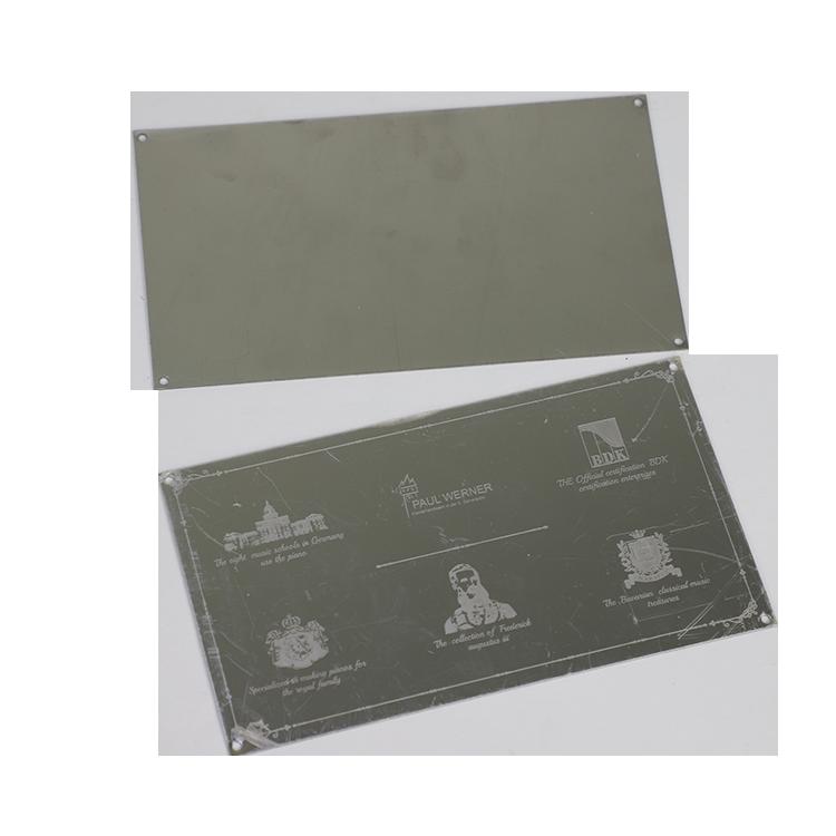 Personalizado de alta calidad de encargo barato escritorio sólido de acero inoxidable de metal en blanco sublimación de placas