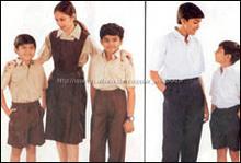 Niños y niñas uniformes escolares