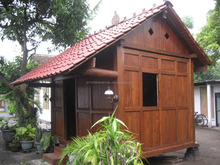 small wooden house 3x2meters